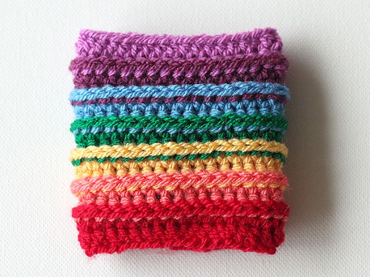 wink rainbow cup cozy finished 1